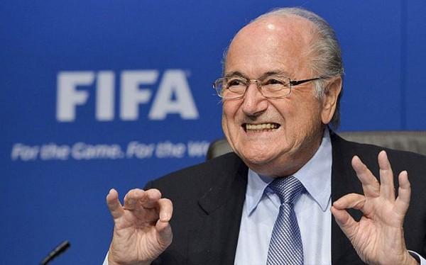 Blatter: Ik ben onschuldig en het is de schuld van Frankrijk en Duitsland