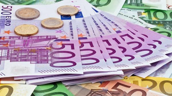 U heeft 27000 euro schuld, het is maar even dat u het weet.