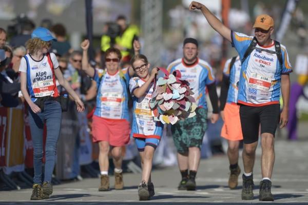 Alpe d'HuZes 2015: Saamhorigheid levert miljoenen op