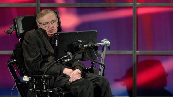 Stephen Hawking steunt ambitieus programma voor zoektocht naar buitenaards leven