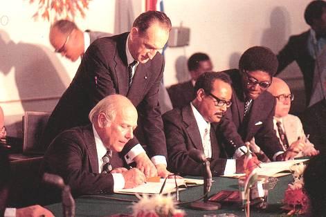 Suriname krijgt felicitaties Minister Koenders ivm 40 jaar onafhankelijkheid