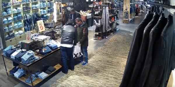 Winkelier Haarlem zet winkeldieven online