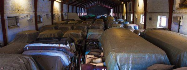 Verzameling klassieke auto's ontdekt bij ongelooflijke vondst in schuur in Denemarken