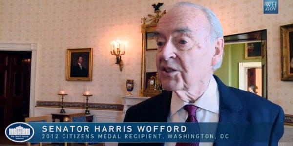Oud-senator Amerika gaat met 50 jaar jongere man trouwen