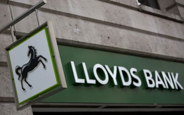 Ook Lloyds bank in zwaar weer, duizenden banen worden geschrapt