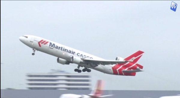 Vliegtuigspotters nemen emotioneel afscheid van de MD 11 the Queen of the Sky