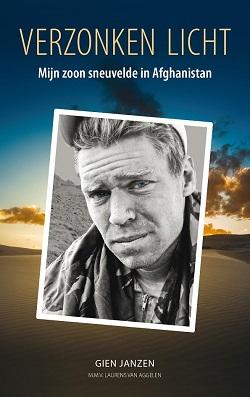 Moeder schrijft boek over haar zoon die in Afghanistan sneuvelde