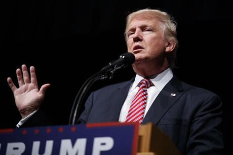 Trump haalt bakzijl en steunt toch Mc Cain en Ryan