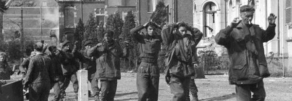 Koenders en Johnson samen bij Britse herdenking Slag om Arnhem