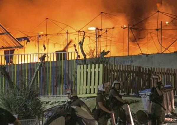 Arrestaties na brandstichting in vluchtelingenkamp Lesbos