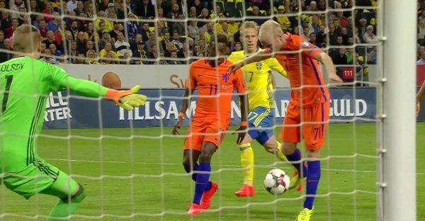 Blind geeft scheidsrechter de schuld van gelijkspel tegen Zweden